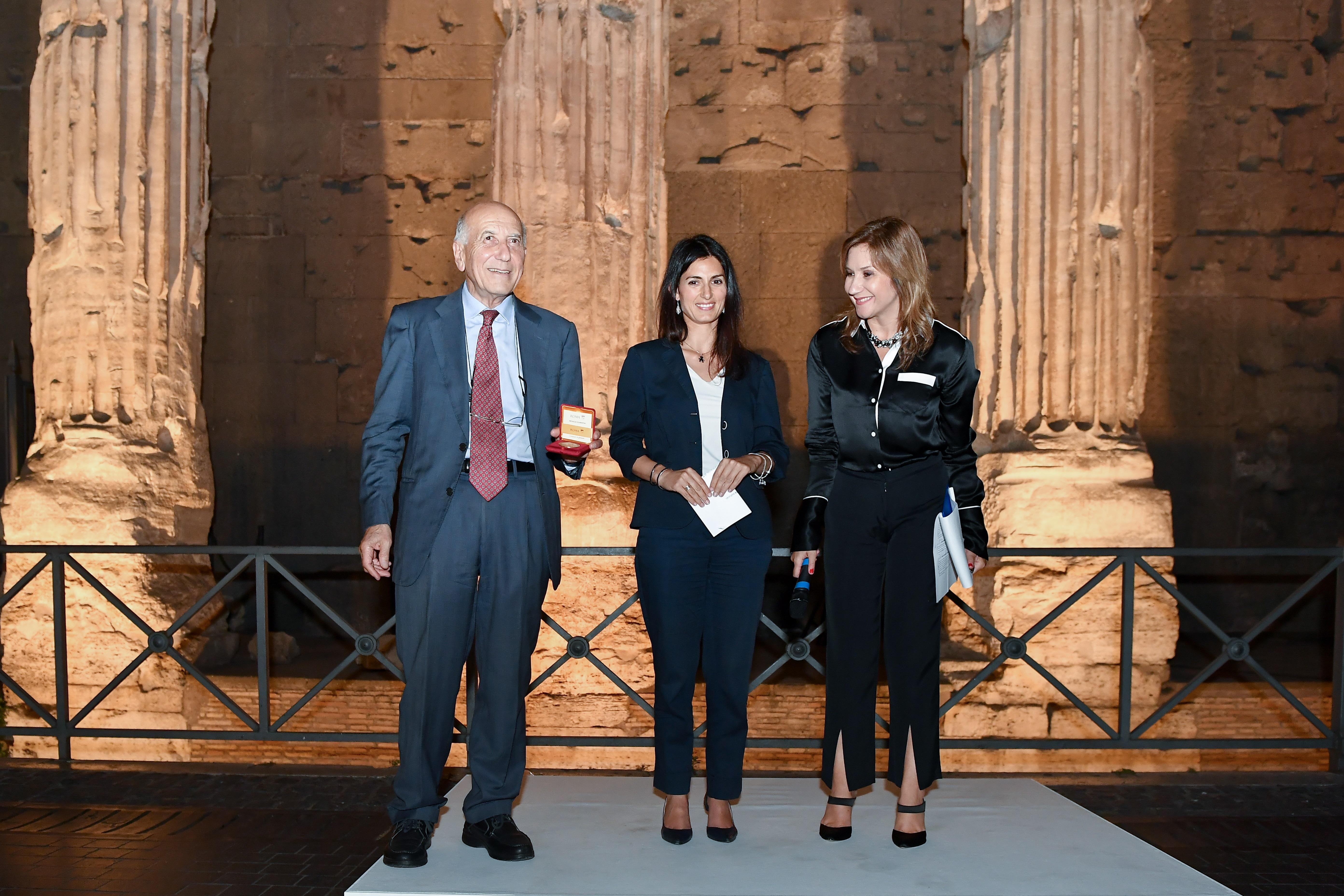 La Sindaca Raggi all'inaugurazione di Luci su Adriano