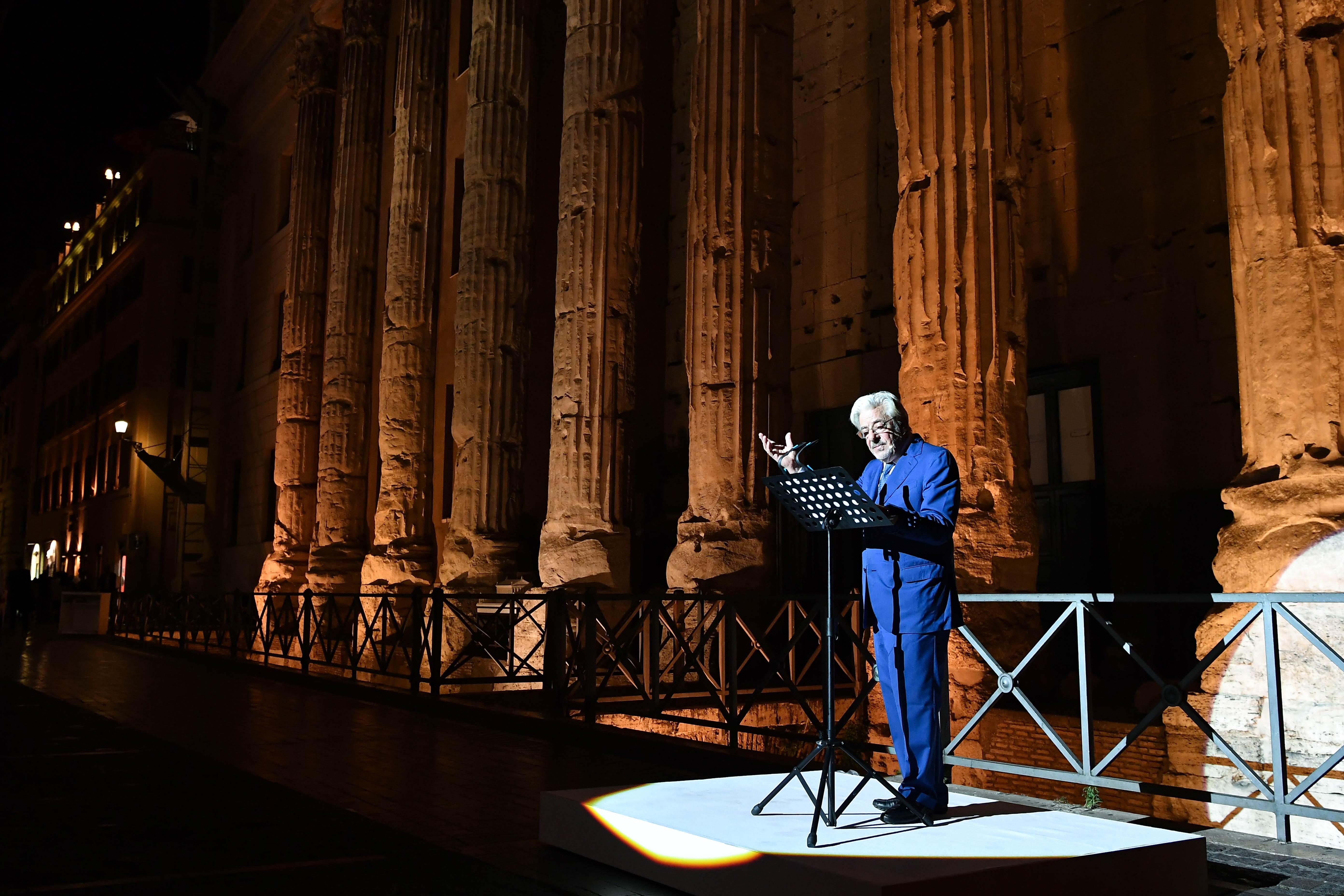 Giancarlo Giannini recita un brano da Memorie di Adriano di Marguerite Yourcenar